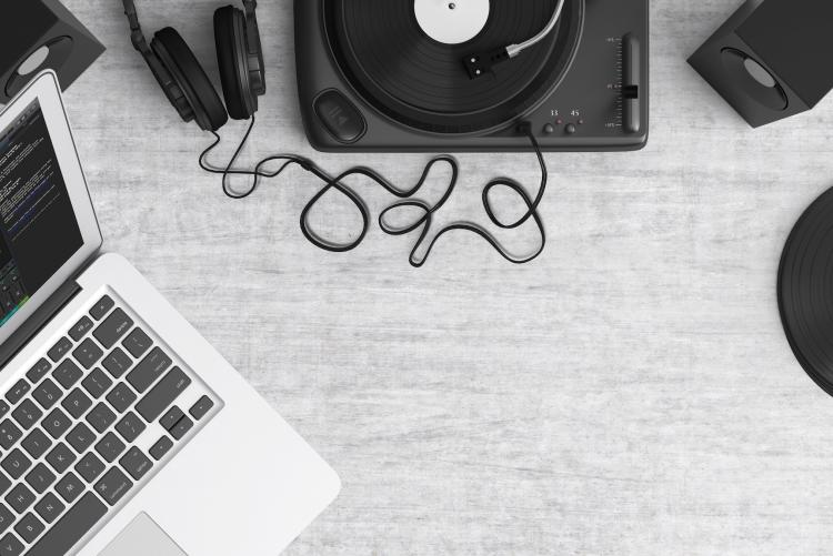 Turntable and Macbook